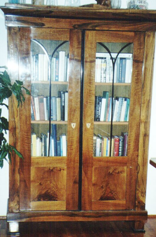 nut bookcase